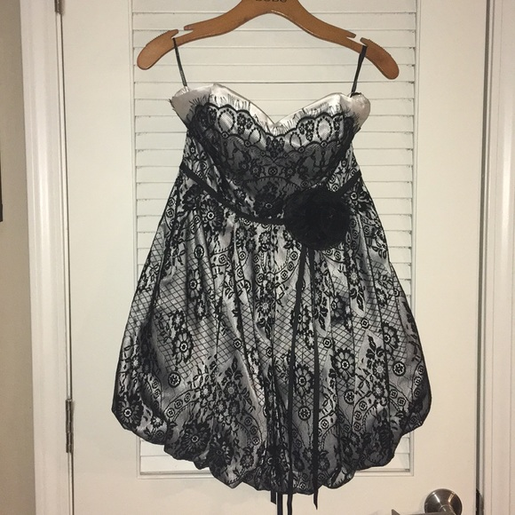 bebe Dresses & Skirts - Bebe black/white lace bubble dress corset back